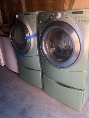Kenmore washer & gas dryer w/ pedestal for Sale in San Leandro, CA