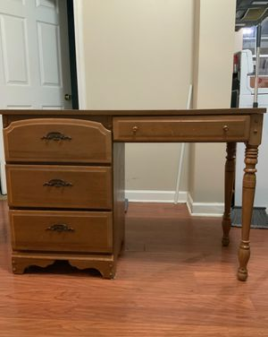 Desk for Sale in Cicero, IL