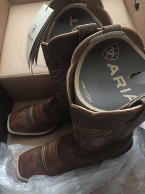 Ariat for Sale in Fort Washington, MD