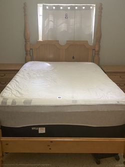 Full Bedset Great Condition. (5 Month Old Mattress Optional) for Sale in Tampa,  FL