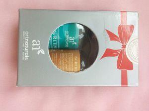 Art Naturals Organic 20% Vitamin C Serum 1.0 oz & Vitamin A (Retinol) Serum 1.0 oz - Gift Set for Sale in Ashburn, VA