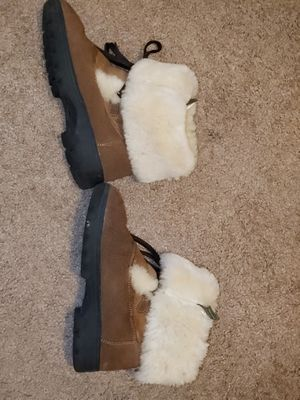 CLOUDNINE sheepskin size 8 boots for Sale in Seattle, WA