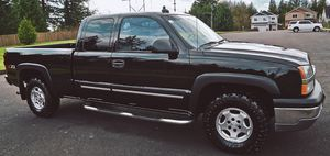 CHEVY SILVERADO 2003 FULL ULTRA LEATHER SEATS for Sale in Cambridge, MA
