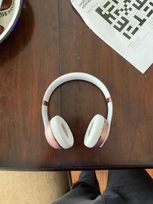 beats wireless rose gold for Sale in Ellicott City, MD