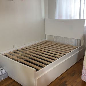 Full & Twin Size Day Bed Frame in White for Sale in The Bronx, NY