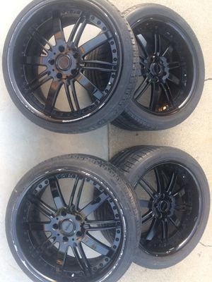 Black glossy rims with good tiers 2 of them for front are 19' & the rear are 20' 5 lugs for Sale in Hollister, CA