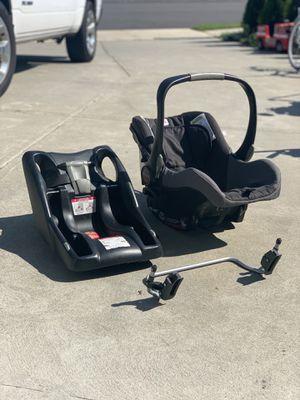 Britax B-Safe infant car seat & BOB Stroller for Sale in Dartmouth, MA
