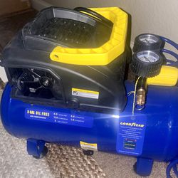 Good Year 3 Gallon Oil Free Air Compressor Includes 7 Piece Accesory Kit PSI 135(without Box) for Sale in Folsom,  CA