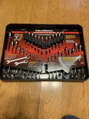 GearWrench 32 Pcs ratcheting combination set for Sale in Warrenton, VA