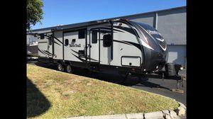 Rv travel trailer camper 33' north trail 33bkss for Sale in Davie, FL