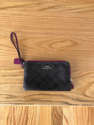 Coach wristlet ... never used! Paid $80. Asking $45 for Sale in Tyngsborough, MA