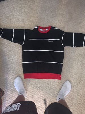 Supreme crewneck size medium for Sale in Chagrin Falls, OH