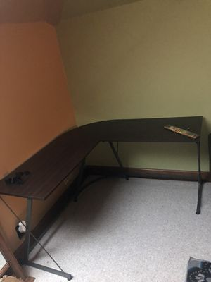 Corner Desk L shaped for Sale in Hendersonville, TN