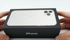 iPhone 11 pro max for Sale in Dallas, TX