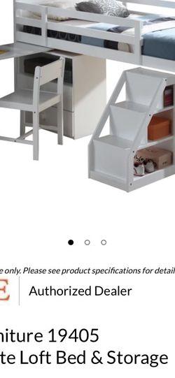 3/5 Loft Bed (white) for Sale in Dinuba,  CA