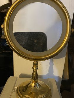 Vintage vanity mirror for Sale in Queens,  NY