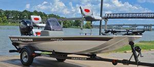 Bass Tracker 2011 Pro Boat for Sale in Boston, MA
