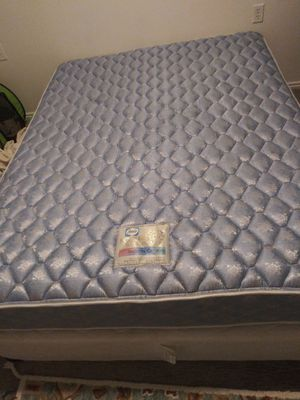 Queen bed and box spring for Sale in West Jordan, UT