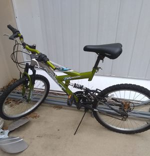 Mountain bike for Sale in Berkeley, MO