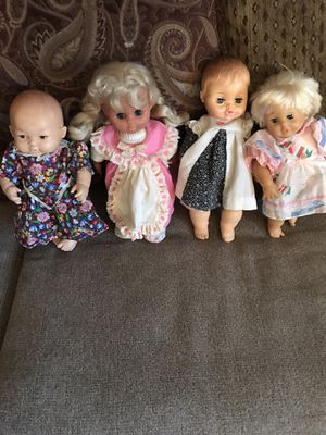 4 small dolls)( West Fort Worth, Close to Benbrook for Sale in Fort Worth, TX