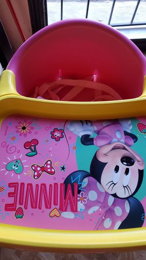 Minnie mouse booster seat for Sale in E RNCHO DMNGZ, CA