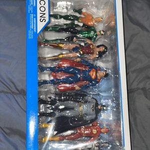 DC Justice League 7 Piece Action Figure for Sale in Los Angeles, CA
