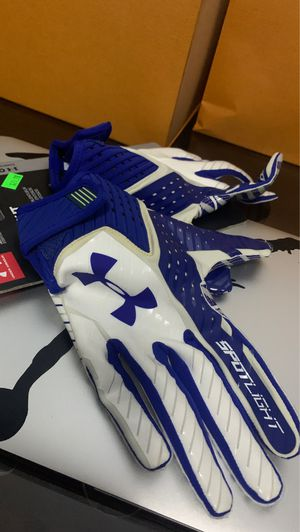 Football gloves size small for Sale in Centreville, VA
