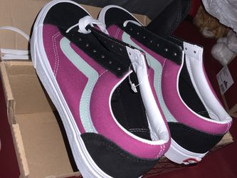 9.5 Vans Shoes (Vintage Sport) for Sale in Chicago,  IL