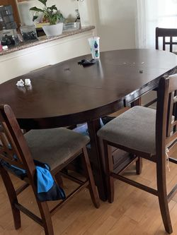 Dining Table for Sale in Garden Grove,  CA
