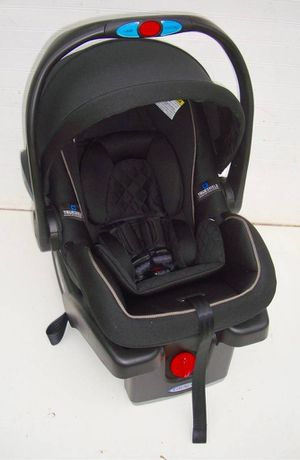 Graco Click Connect Infant Car Seat - Never Used for Sale in Philadelphia, PA