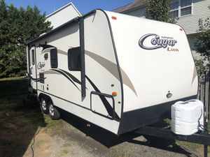 26ft 2014 Cougar wt slide out for Sale in Chantilly, VA