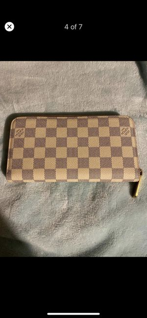 Louis Vuitton Damier Azur wallet for Sale in Dallas, TX