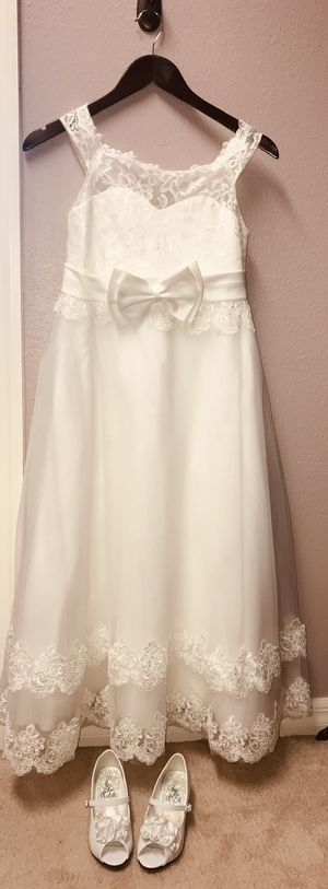 Flower girl dresses and accessories for Sale in Riverview, FL