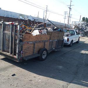Levanto metal. Pick up scrap metal for Sale in Bell Gardens, CA