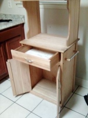 Kitchen cabinet for Sale in Fresno, CA