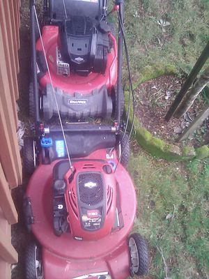 7.0 hp Toro self propelled lawn mower recycler $100 ...and a Snapper self propelled lawn mower ,$75 ..no bags ...both runs exc. for Sale in Tacoma, WA