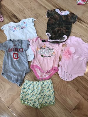 0-3 month baby girl clothes for Sale in Howard, OH