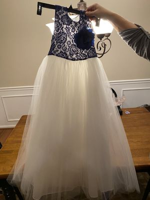 Flower girl/ brides maid dresses. Size 14 for Sale in Greer, SC