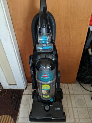 Bissell vacuum in good working condition only need a handle spring for Sale in CTY OF CMMRCE, CA