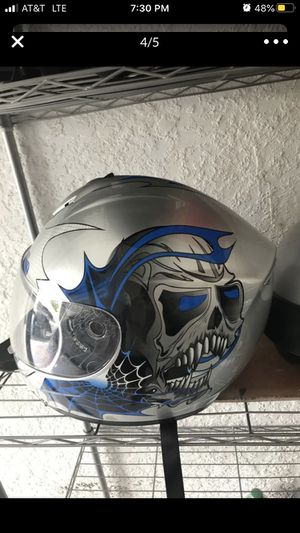 Motorcycle helmets Size M for Sale in Oakland Park, FL