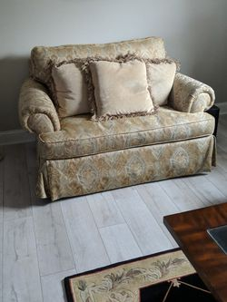Havertys Couch And Loveseat for Sale in Woodstock,  GA