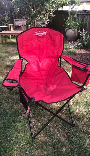 Coleman folding lawn chair w cooler pocket for Sale in Seattle, WA