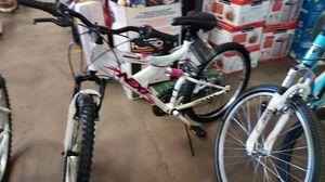 Dynacraft next girls bike white / pink for Sale in Phoenix, AZ