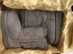 Toddler ugg boots new in box size 7c for Sale in Rockville, MD