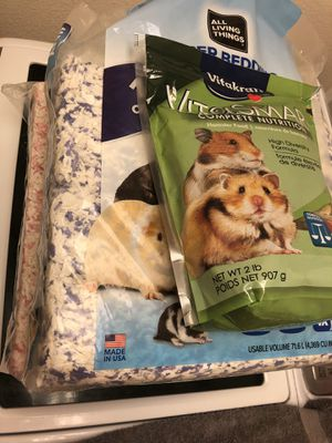 Hamster bedding and food for Sale in Cheyenne, WY