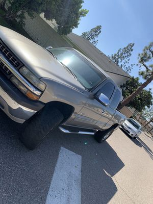 01 Chevy Silverado ( clean title) for Sale in Placentia, CA