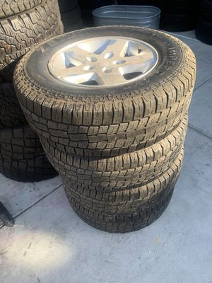 17 inch Jeep wheels set of 5 wheels and tires for Sale in Sacramento, CA