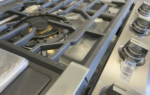 Samsung 30in / 36in Cooktops Gas Open Box up to 50% off MSRP for Sale in Mission Viejo, CA