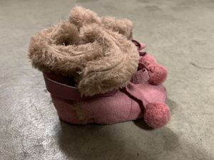Pink baby girl boots - size 6 for Sale in Las Vegas, NV