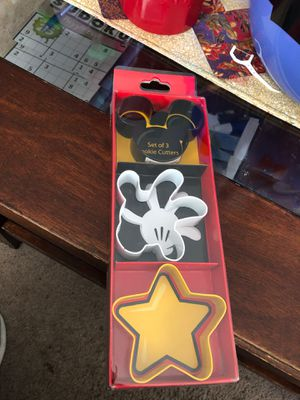 Disney Parks 3 Cookie Cutters UT5 for Sale in Hayward, CA